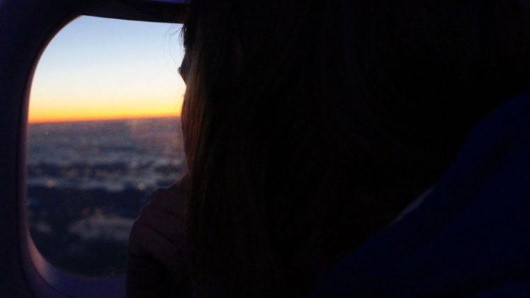 Hoe slapen in een vliegtuig