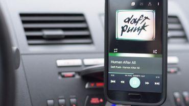 Telefoon in auto