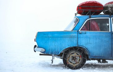 Hoe sneeuwketting plaatsen